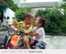 Trẻ con xóm tôi.Tài không đợi tuổi :))