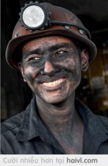 Nụ cười của người thợ mỏ - 1 bức ảnh của Việt Nam được xếp vào Popular list trên 500px - Bạn có thích nó không ????